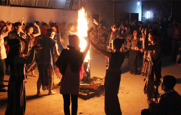 Nhảy cùng người K'ho Langbaing 0 dalat24h.vn