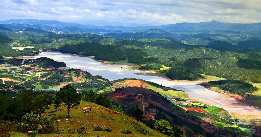 Cảnh đẹp nhìn từ Langbiang Đà Lạt