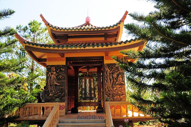 Lầu chuông của thiền viện Trúc Lâm Đà Lạt